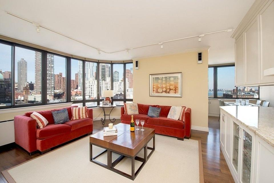 A 3 bedroom condo in the East 80s took $80,000 off the contract to close