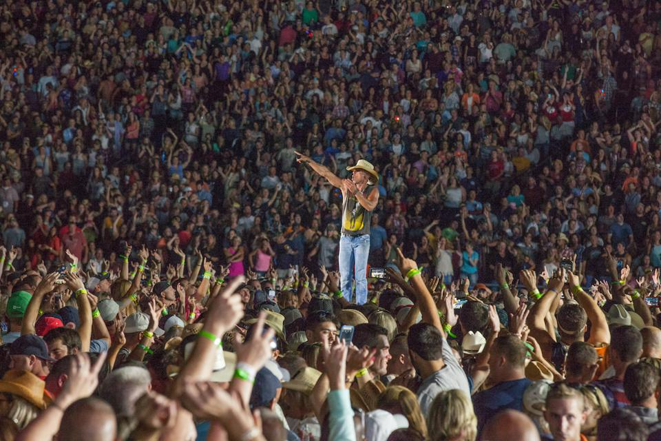 Kenny Chesney, live music, concert