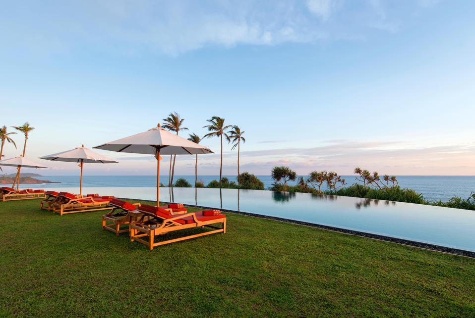 pool in Sri Lanka hotel