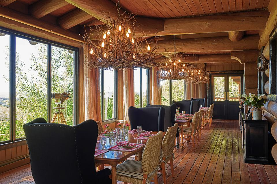 Sitting lakefront, the home is ideal for entertaining. There are multiple spots for relaxing and dining.