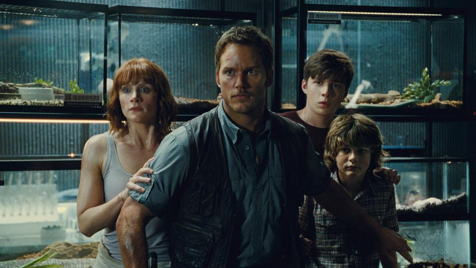 Chris Pratt and Bryce Dallas Howard in 'Jurassic World'