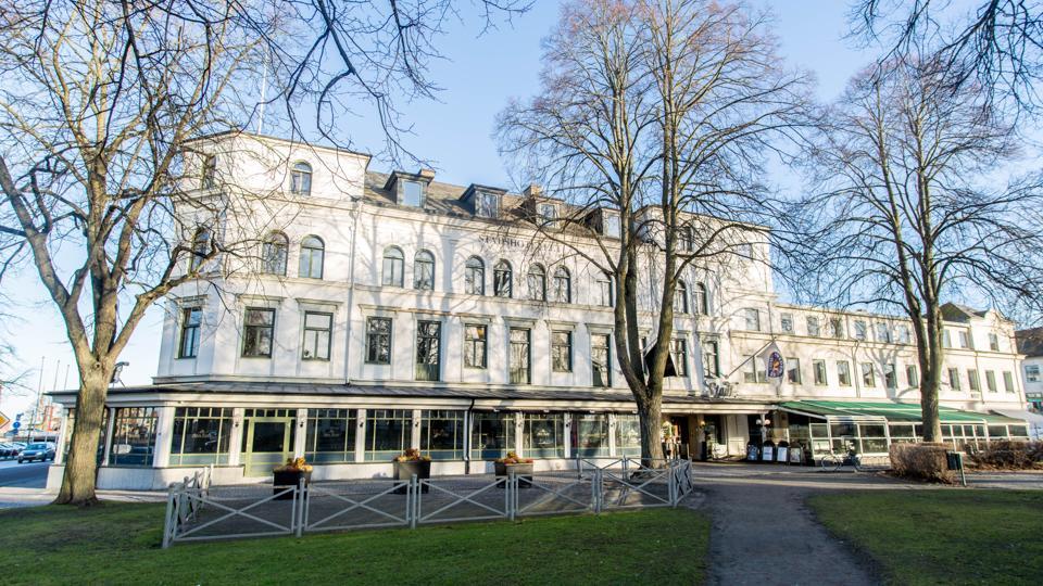 exterior of Lidköping Stadshotellet in Sweden