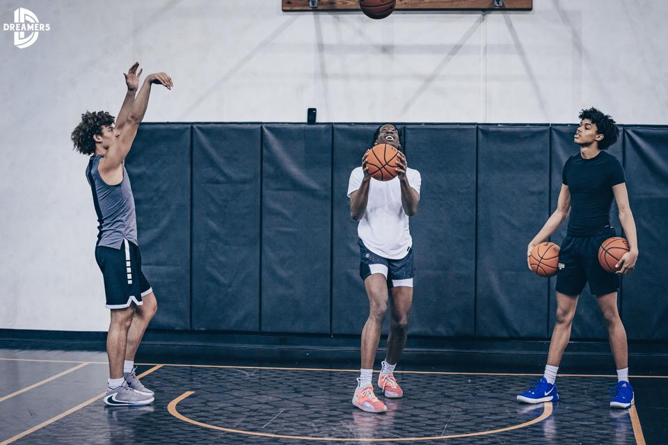 Kentucky freshmen Devin Askew, Terrence Clarke and B.J. Boston are training together in California during the coronavirus pandemic.