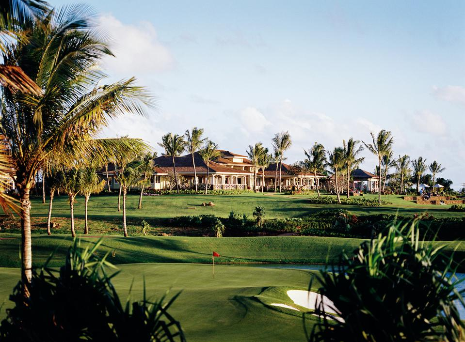 The club's 21,000-square-foot clubhouse, offers a restaurant, event pavilion, game room and a breakfast room where members can enjoy complimentary coffee, muffins and hot oatmeal each morning.