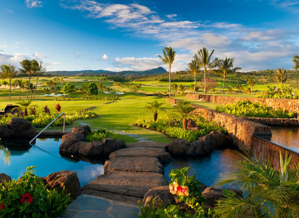 Kukui'ula is situated on the site of a former sugar plantation on the sunny South Shore of Kaua'i. This part of the island enjoys an average of 300 days of sunshine each year.