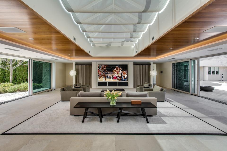 Custom estate, Michael Jordan, Chicago Bulls, The Last Dance