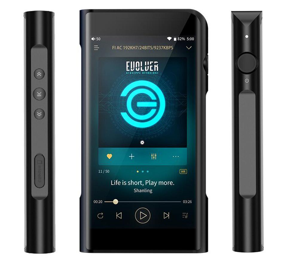 Sides and front of Shanling M6 digital music player