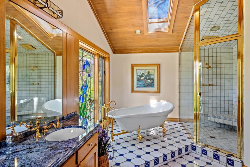 Luxurious master bathroom with soaking tub