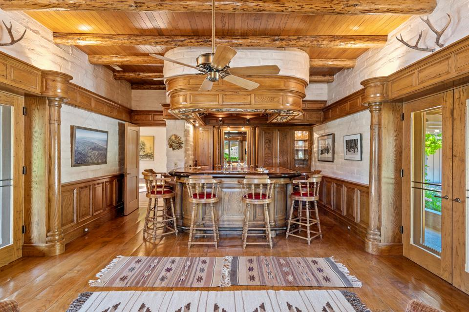 Country-style bar