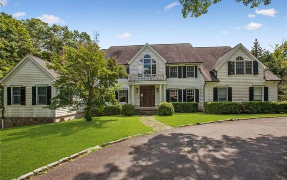 A Bedford, NY 4-bedroom house with 3,886 square feet and a pool on 4.89 acres is Asking $929,900. Taxes are $52,760.