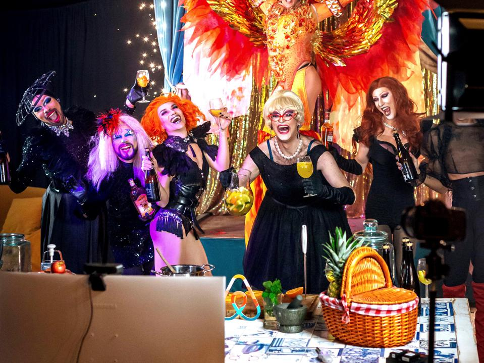 Sangria Drag Queens Portugal Airbnb