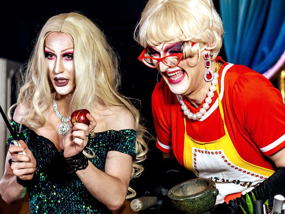drag queen sangria airbnb