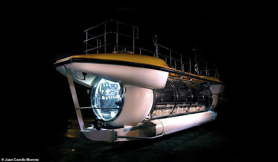Vingroup's new Triton DeepView 24 submarine.