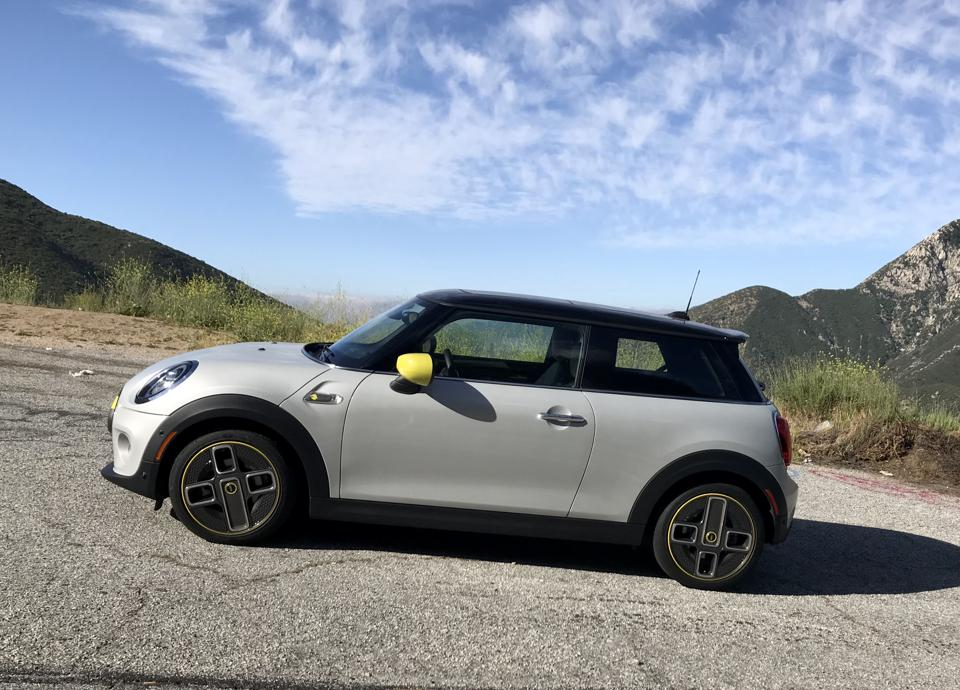 MINI SE proved itself entirely entertaining to drive.