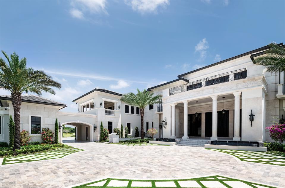 Rockybrook Estate, Delray Beach, Florida, driveway, port-cochere.