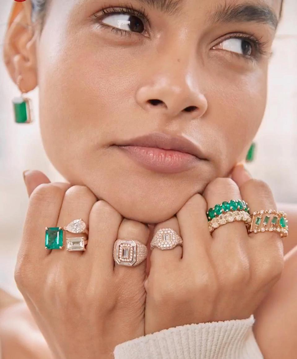 SHAY pinky signet rings