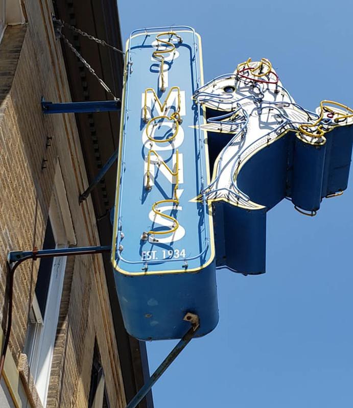 Simon's Tavern sign