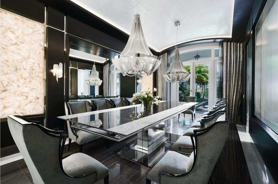 Dining room, mother-of-pearl ceiling, white agate backlit walls
