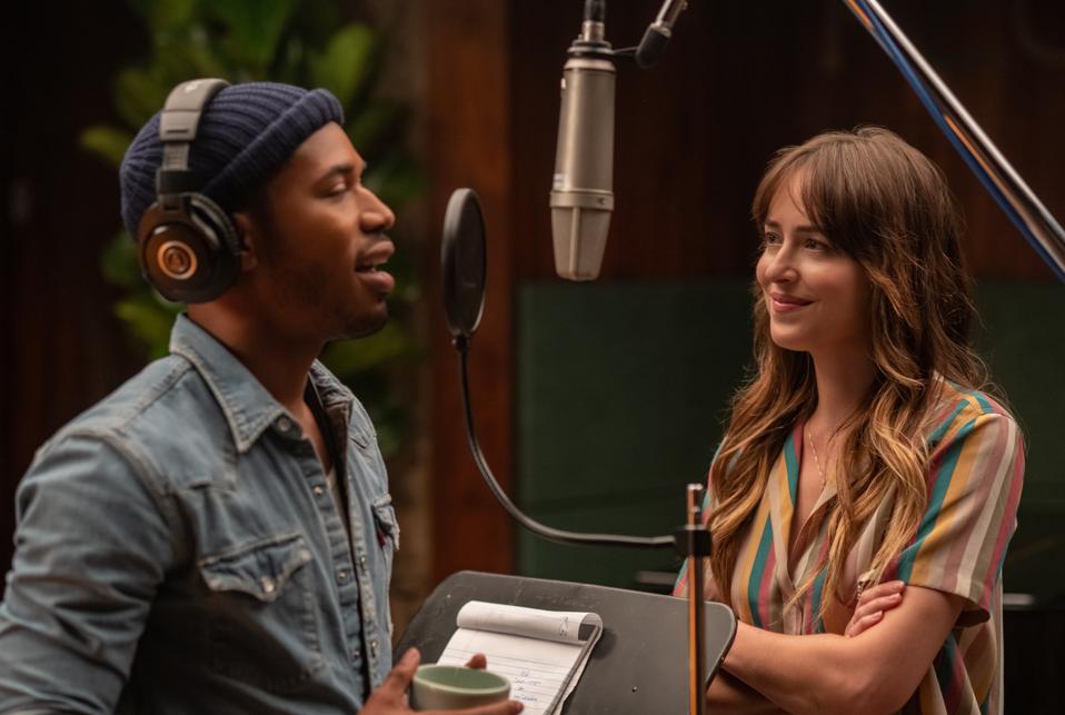 Kelvin Harrison Jr. and Dakota Johnson in 'The High Note'