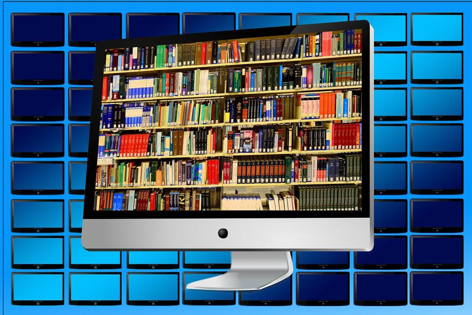 Online library, photo by Gerd Altman for Pixaby