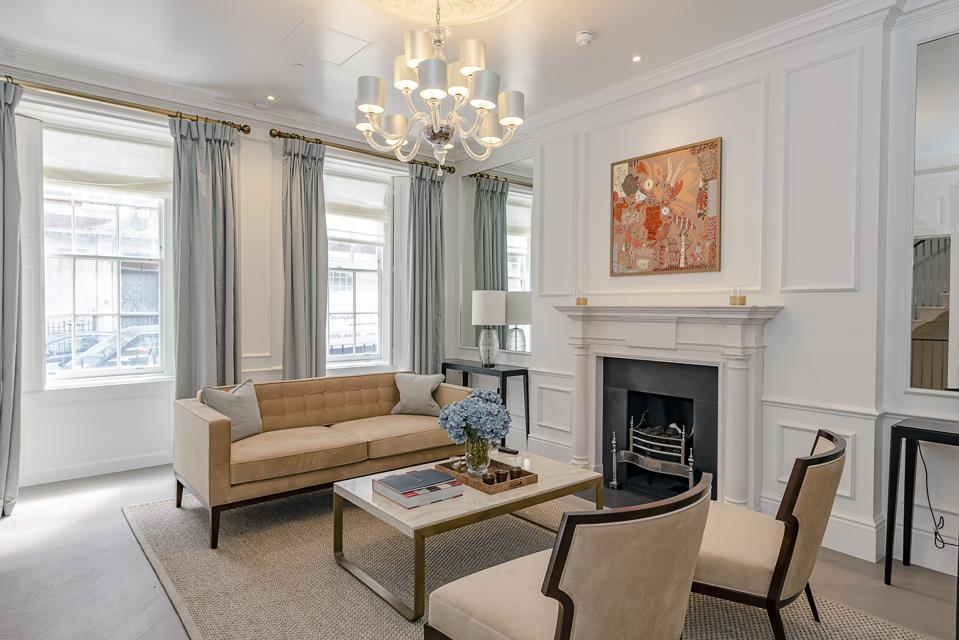 The front drawing room at 28 Old Queen Street