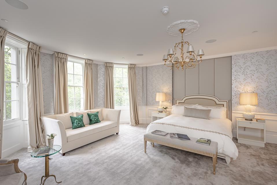Duplex master bedroom suite bedroom at 28 Old Queen Street