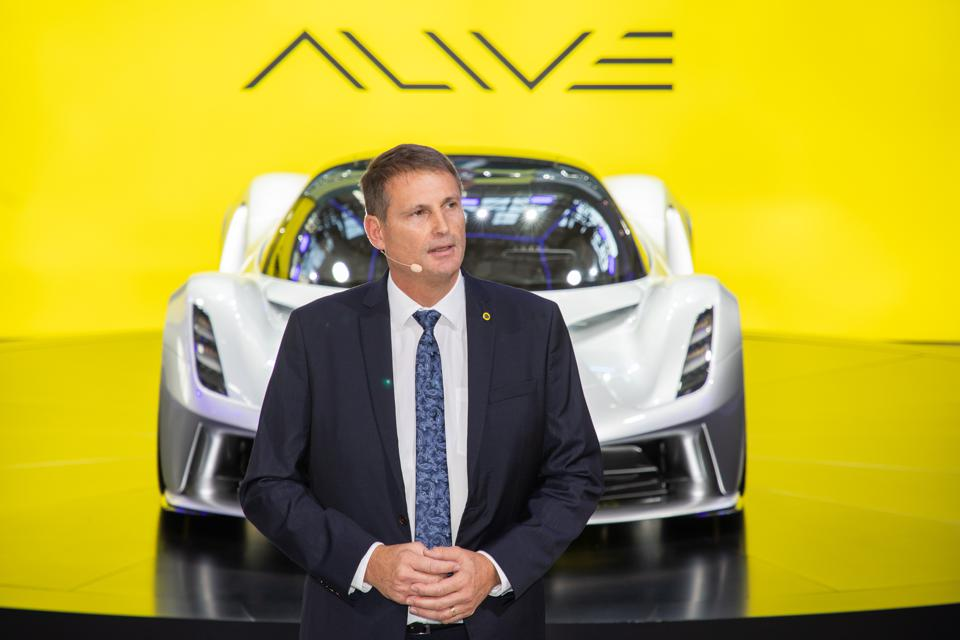 Guangzhou-Auto-Show-CEO-Lotus-Cars-Phil-Popham