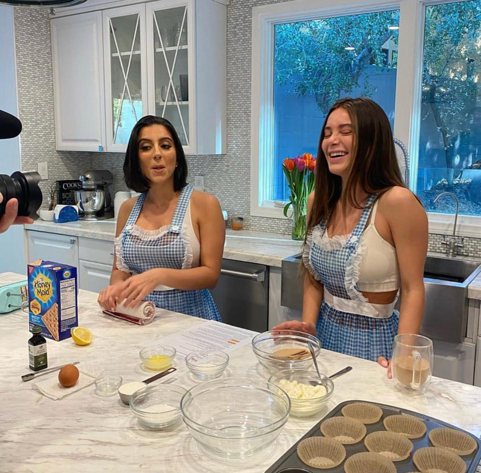 lena the plug and lana rhodes in the kitchen