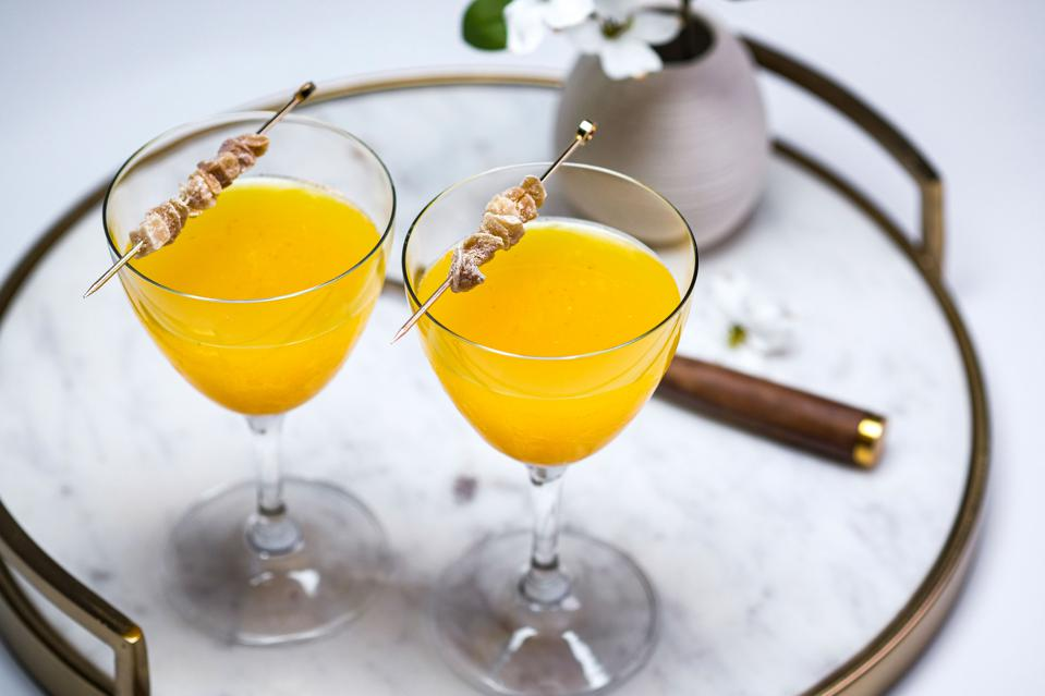 Top Healthy-Ingredient Lower Sugar Cocktails For Summer Drinking