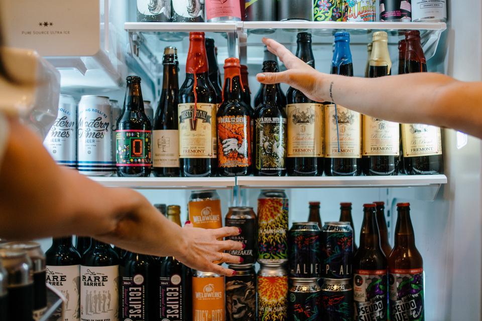 Tavour Craft Beer Breweries Refrigerator Fridge Cans Bottles