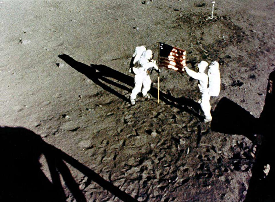 Human spaceflight: Apollo 11 Mission / lunar landing