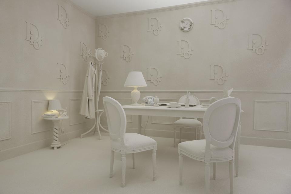 Daniel Arsham imagined the Dior Summer 2020 men's fashion show set in Paris with his interpretation of Christian Dior's office
