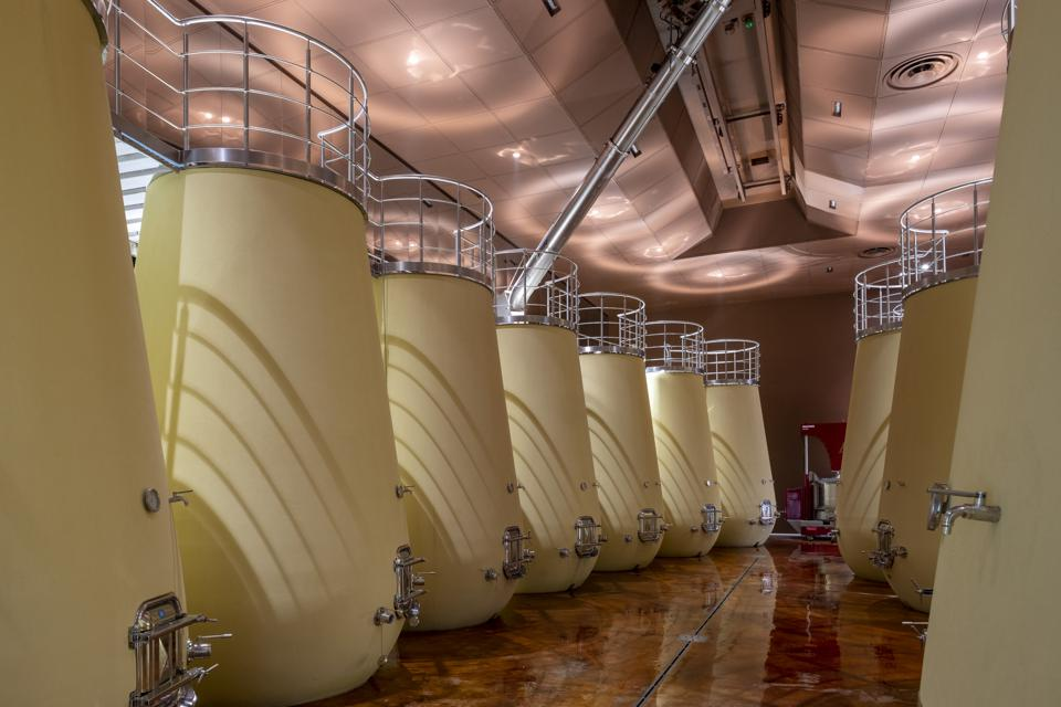 Thomaeus MonteRosola, winemaking, traditional, modern, technology, experiences, destination