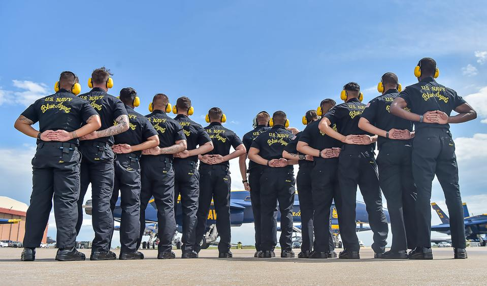 A part of the Blue Angels maintenance team.