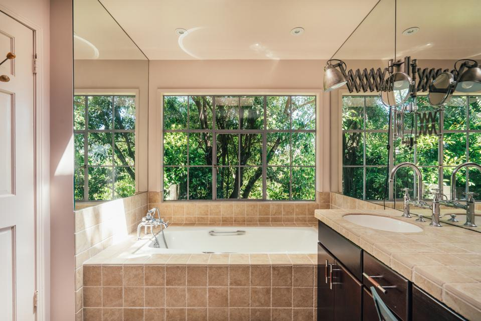 Bathroom, garden views,