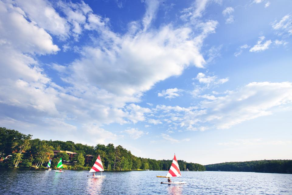 Sailboats on a sunny day at Woodloch Pines Resort.