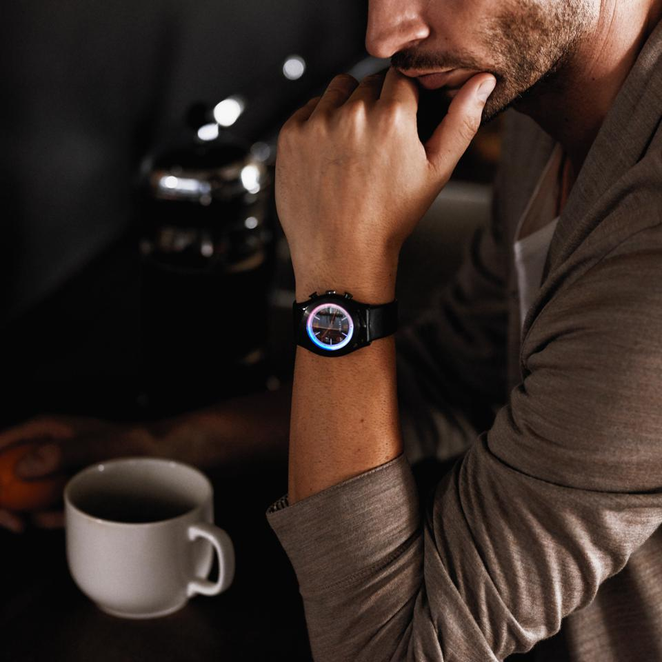 LUXTURE Aarde (Dutch for 'Earth'), the most intuitive and attractive smartwatch on the market.