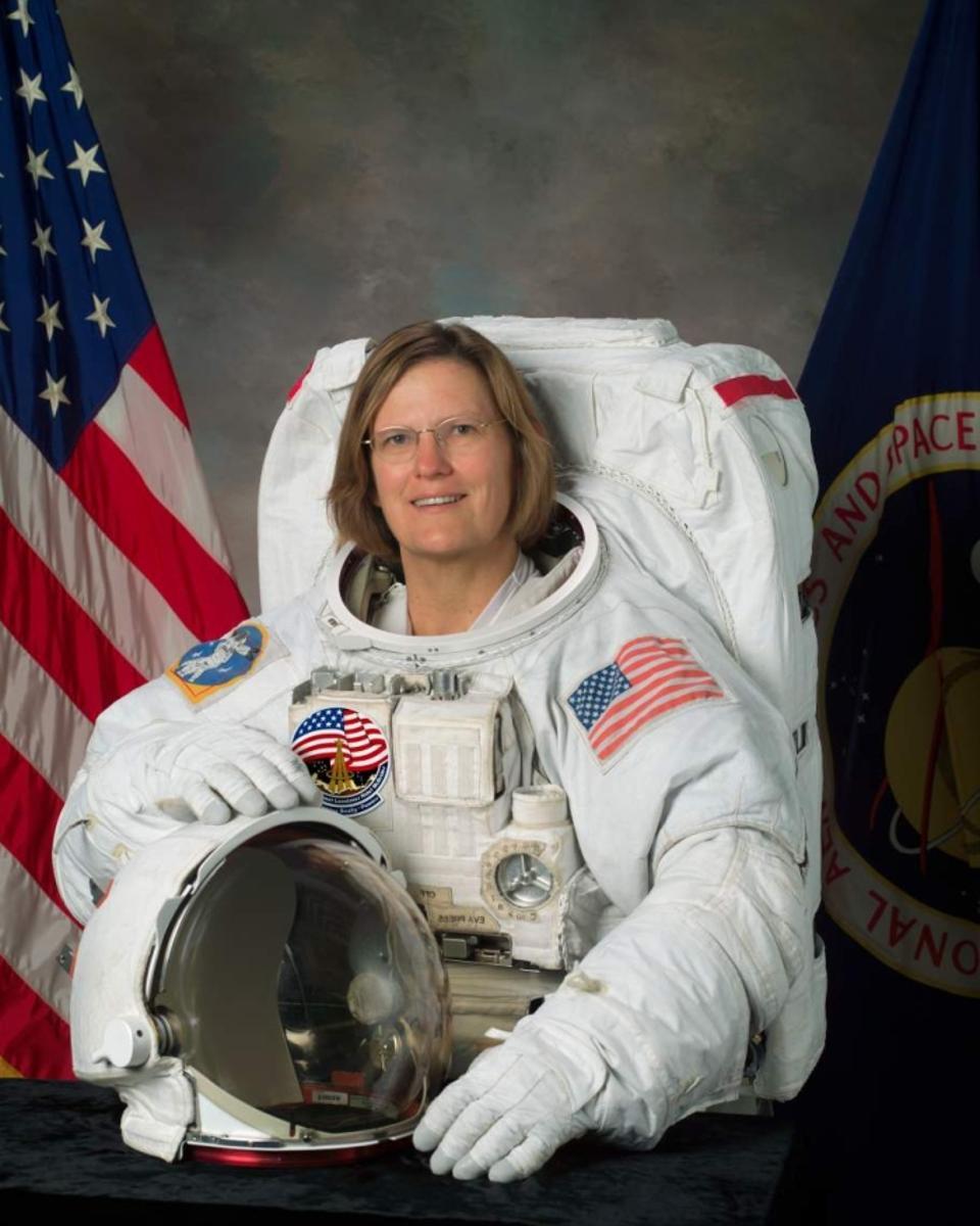 Dr. Kathryn D. Sullivan's official astronaut portrait.