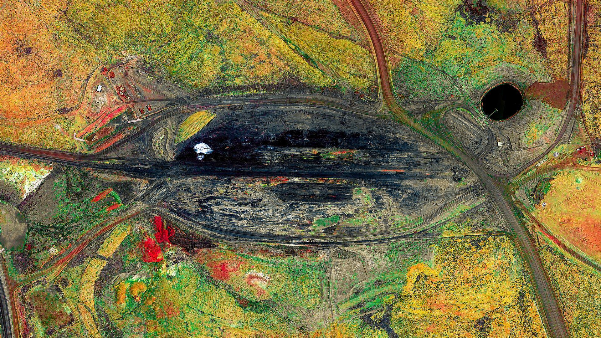 Navajo-Mine-III--by-Ultradistancia-Federico-Winer