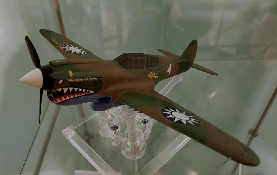 Model of P-40E fighter flown by Flying Tigers assembled and painted by R. Torrini.