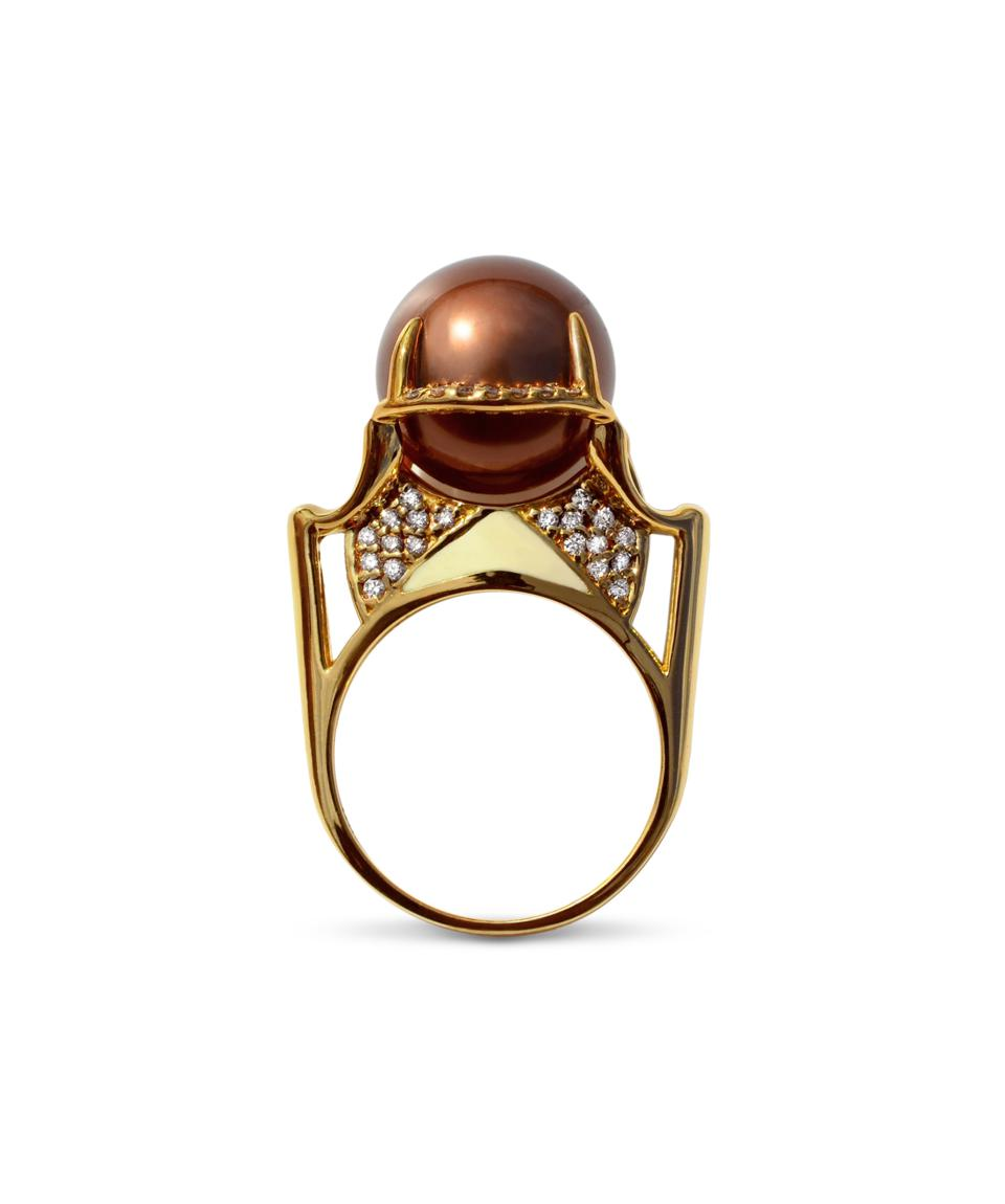 The Isis pearl, diamond and yellow gold ring by Diaboli Kill