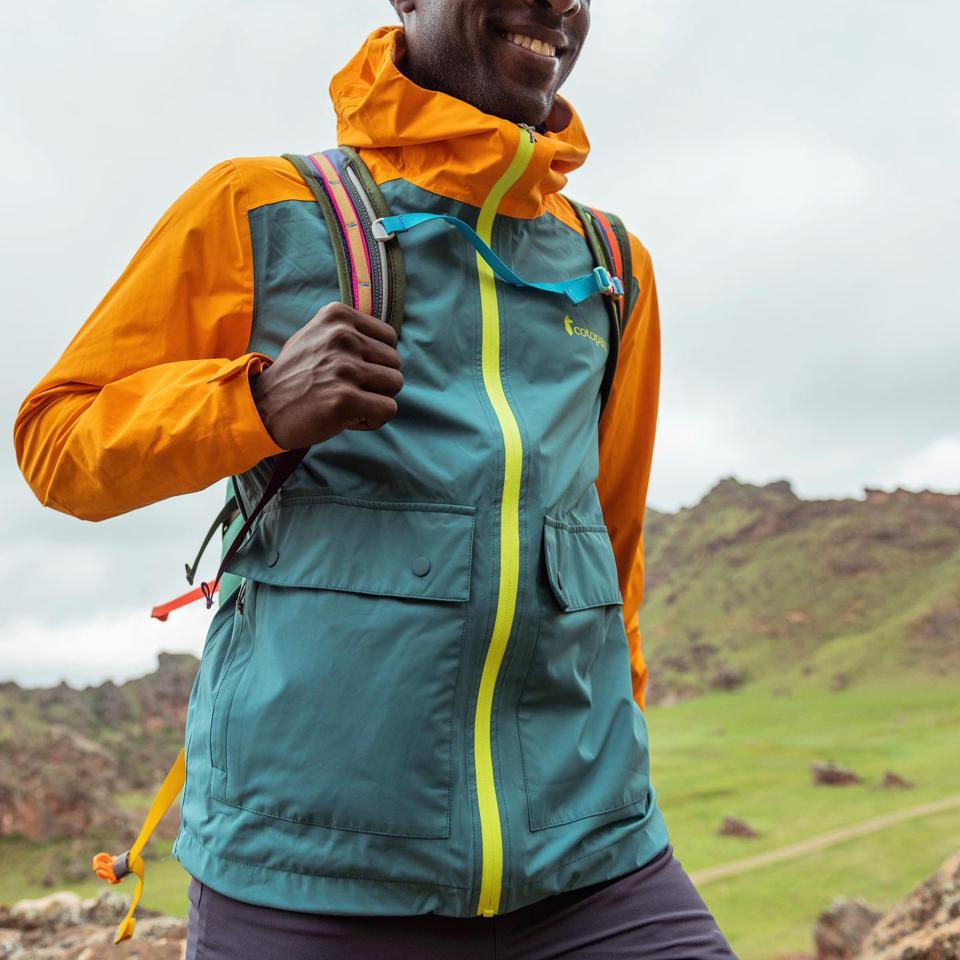 Outdoor gear, jacket, running, backpack, windshell