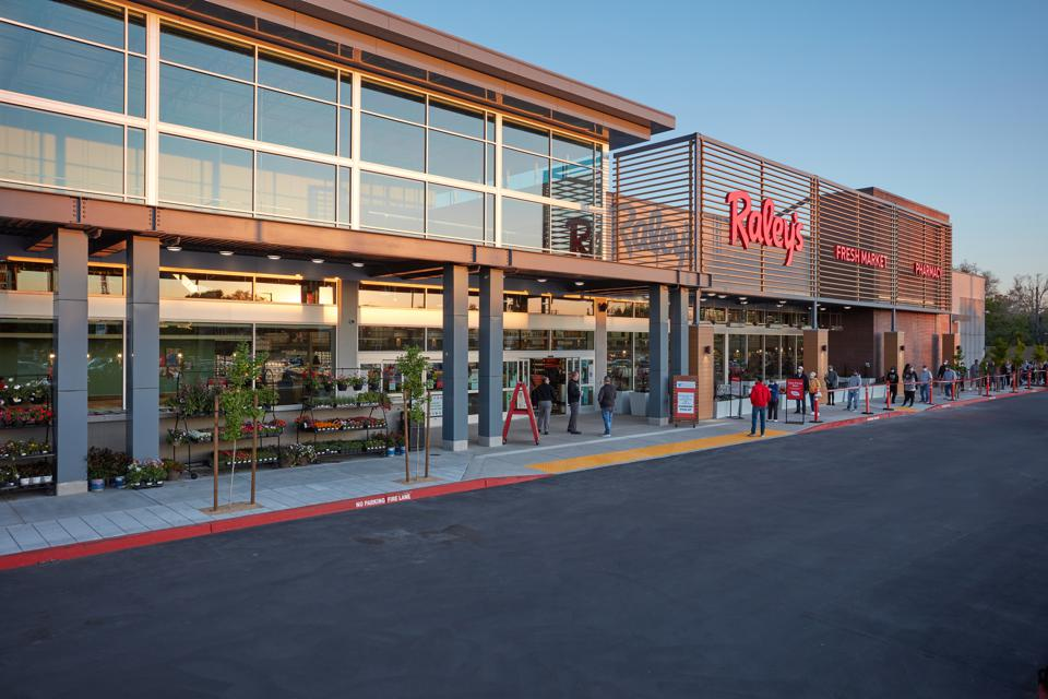 Raley's 55,000 sq. ft. store in Land Park, CA opened amid COVID-19 regulations