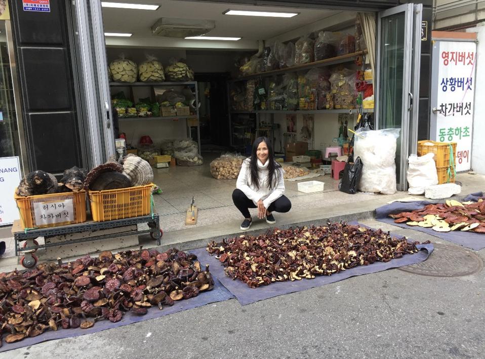 Dr. Jenelle Kim at the Korean market Seoul, Korea