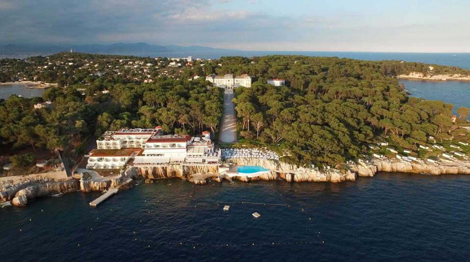 View of the magnificent Hotel du Cap-Eden-Roc