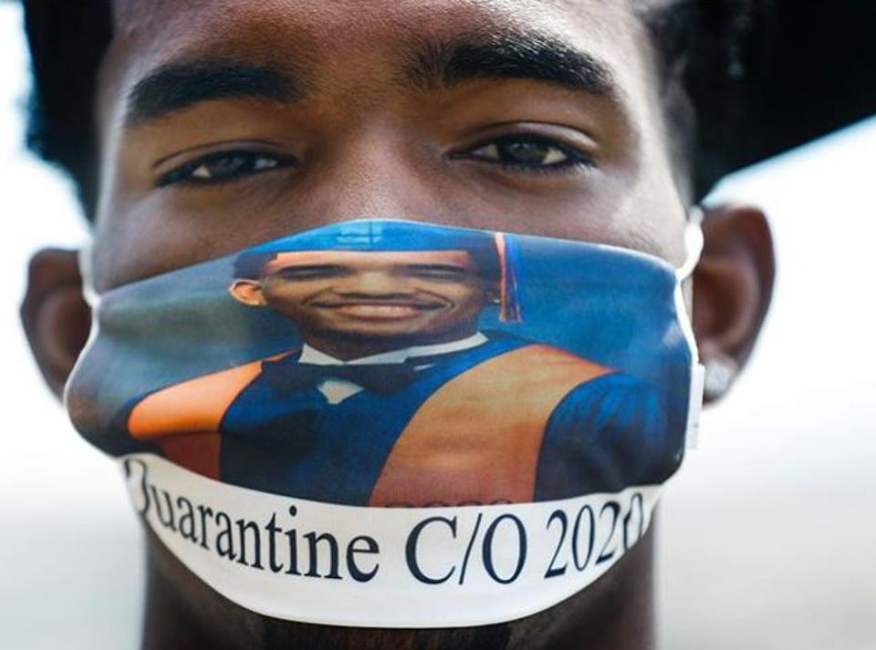 Photo of KIPP Memphis Collegiate Class of 2020 wearing a mask.