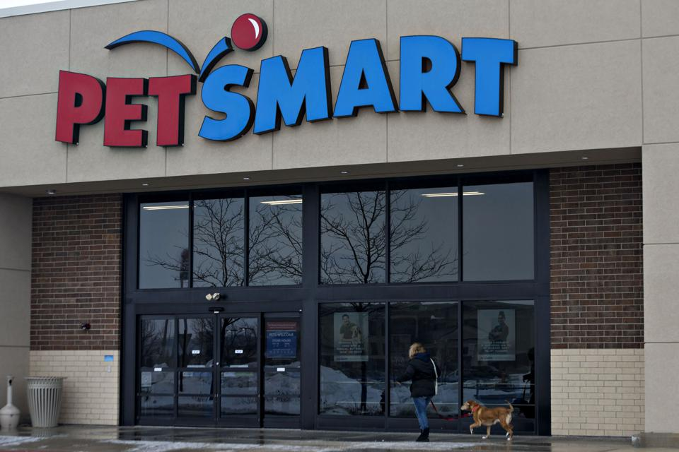 A PetSmart Inc. Store As Earnings figures Are Released