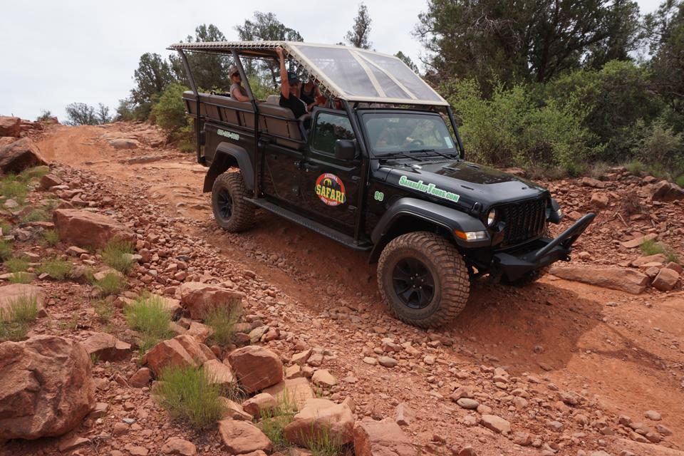 Sedona, Ariz.-area businesses such as Arizona Safari Jeep Tours are spreading the news that they're open.