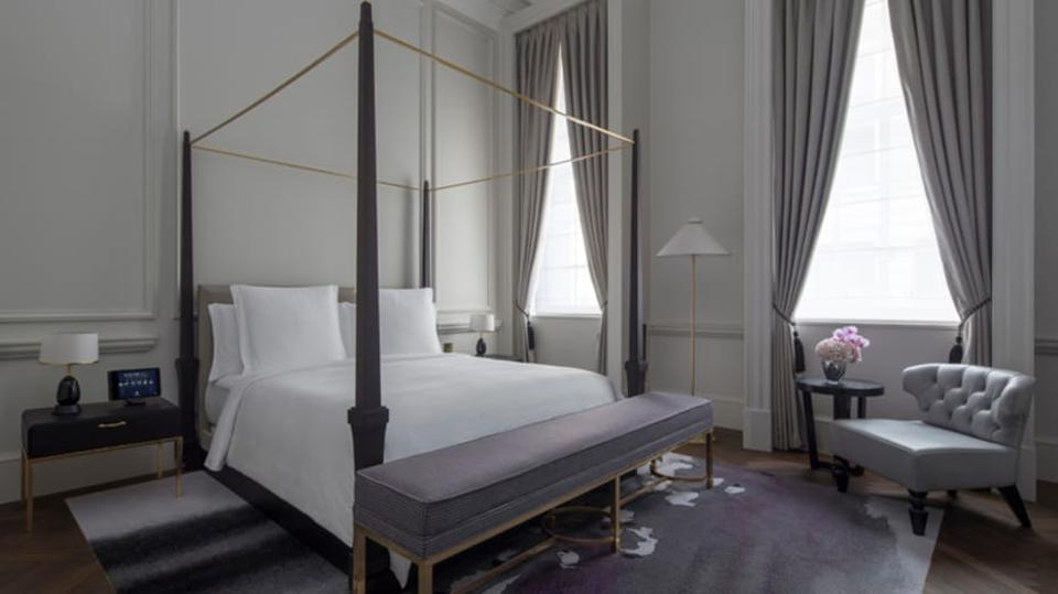 Grand Heritage Suite at Four Seasons Hotel London, Ten Trinity Square