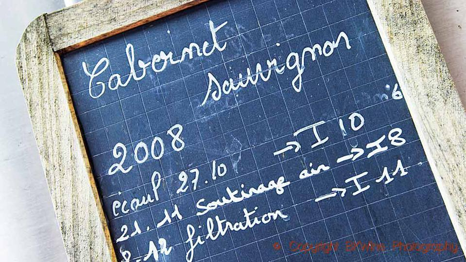 Cabernet Sauvignon in a fermentation tank i Bordeaux